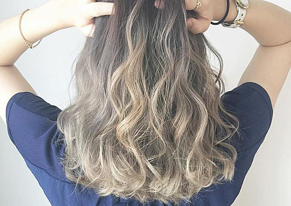 明るい髪色